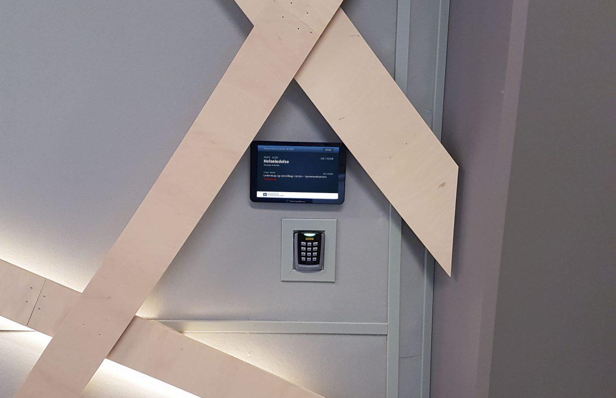 Handelshoyskolen-BI-Trondheim-displaysystem-room-manager3