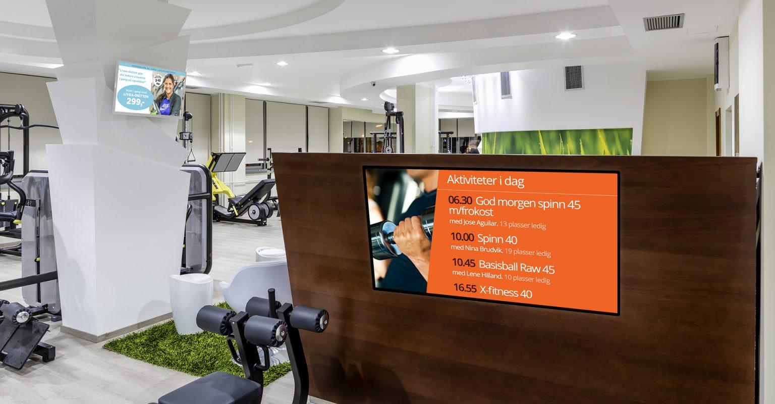 resepsjon-infoskjerm-treningssenter-med-displaysystem
